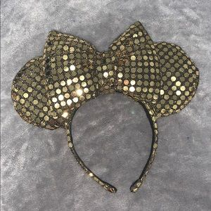 Oversized Custom Minnie Mouse Ears